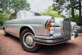 1961 Mercedes-Benz 220 SE Coupe