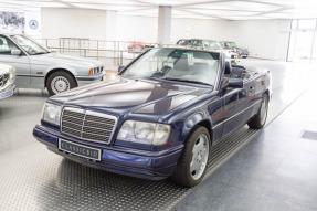 1995 Mercedes-Benz E 220