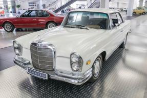 1968 Mercedes-Benz 250 SEb Coupe