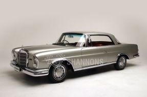 1961 Mercedes-Benz 220 SEb Coupe