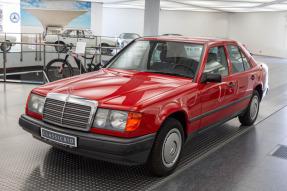 1987 Mercedes-Benz 230 E