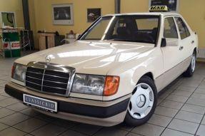 1990 Mercedes-Benz 200 E