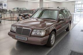 1994 Mercedes-Benz E 200