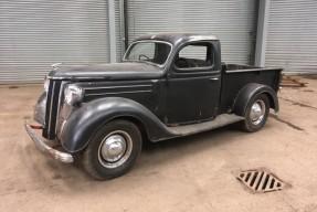 1951 Ford Pilot V8
