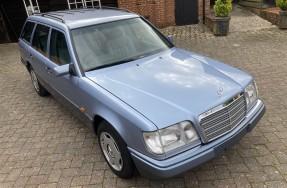 1993 Mercedes-Benz E 200