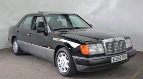 1993 Mercedes-Benz E 250